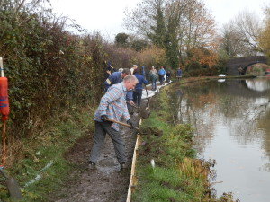 Volunteers working on the Ashby Canal