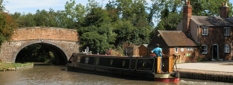 boating_on_the_ashby_canal_leicestershire