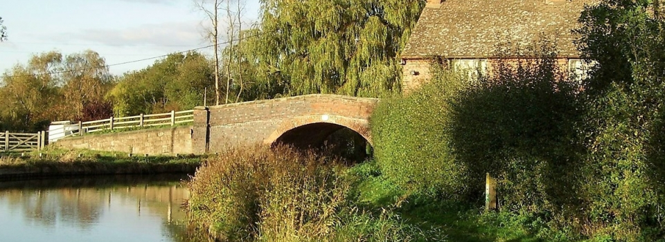 es-bridge-snarestone-ashby-canal