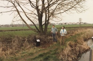 Putting in new mile posts, John Kendal and Keith Deakin, 1984.