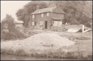 Bosworth Wharf cottage, 1978.